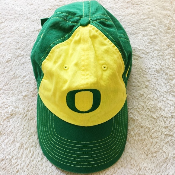Old school Nike Oregon Ducks Cap 🧢. M 5aa9858b36b9deb62c20b04c e81a8e1ec